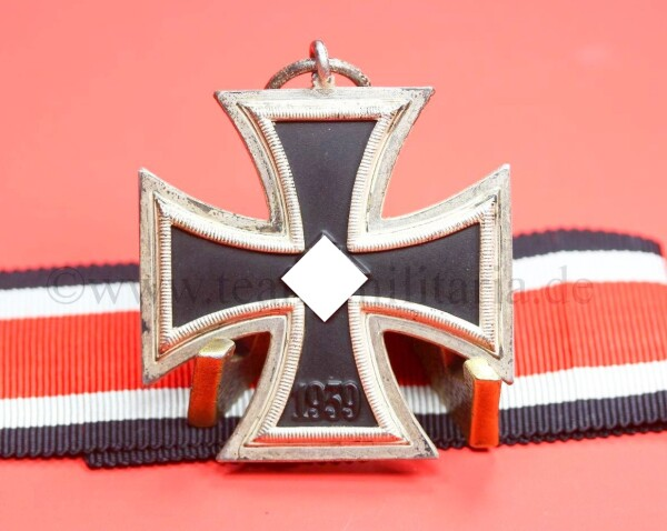 Eisernes Kreuz 2.Klasse 1939 mit Band - NEAR MINT CONDITION